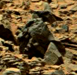 mars anomaly statue with hand 2 - sol 710 was life on mars