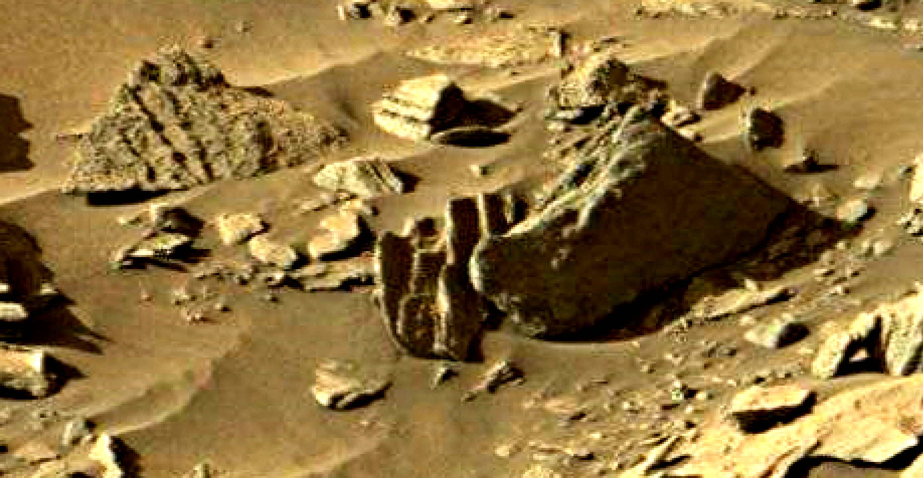 mars sol 1301 anomaly-artifacts 11-1 was life on mars