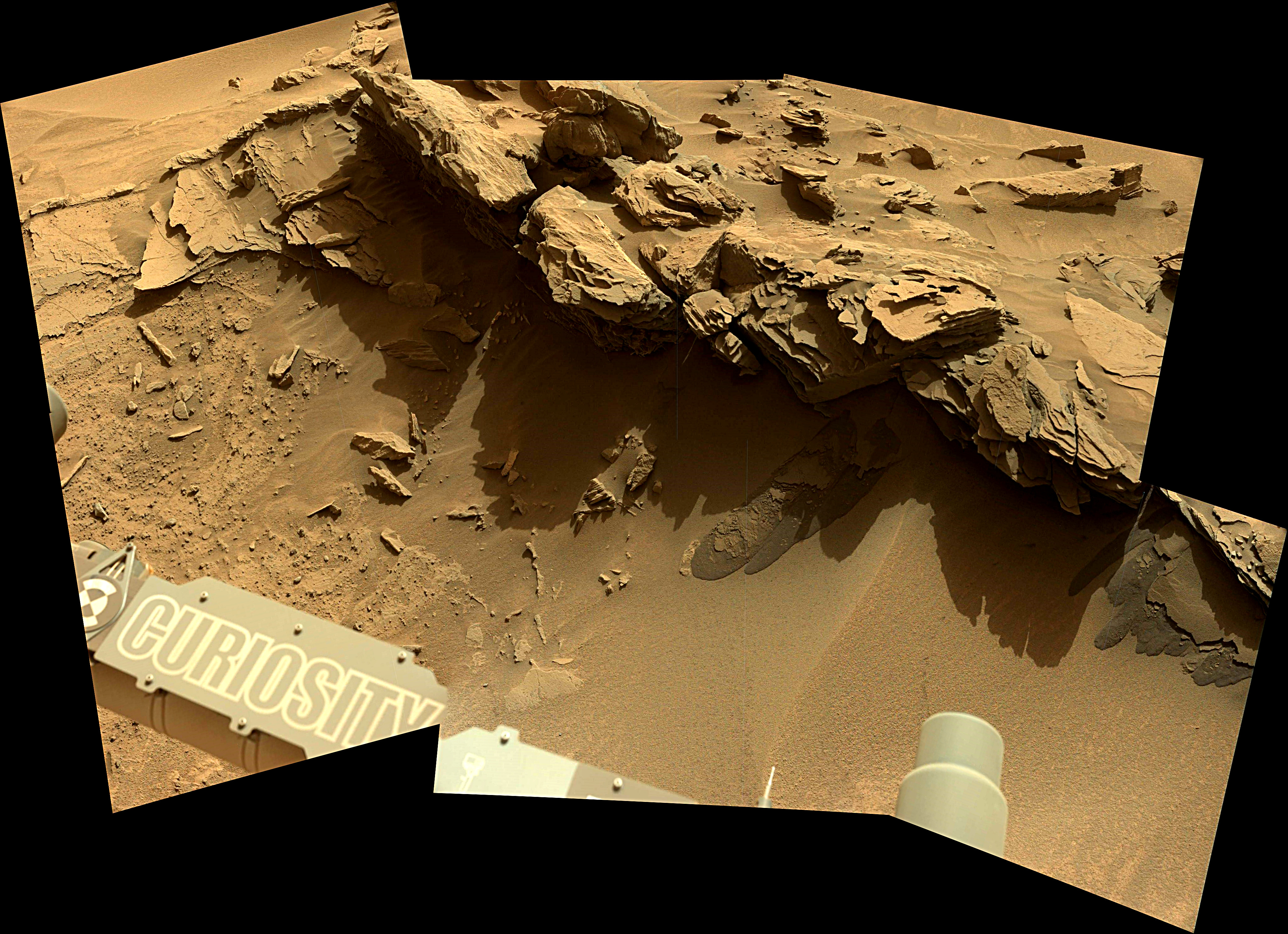 Curiosity Rover Panoramic View 2 of Mars Sol 1349 – Click to enlarge
