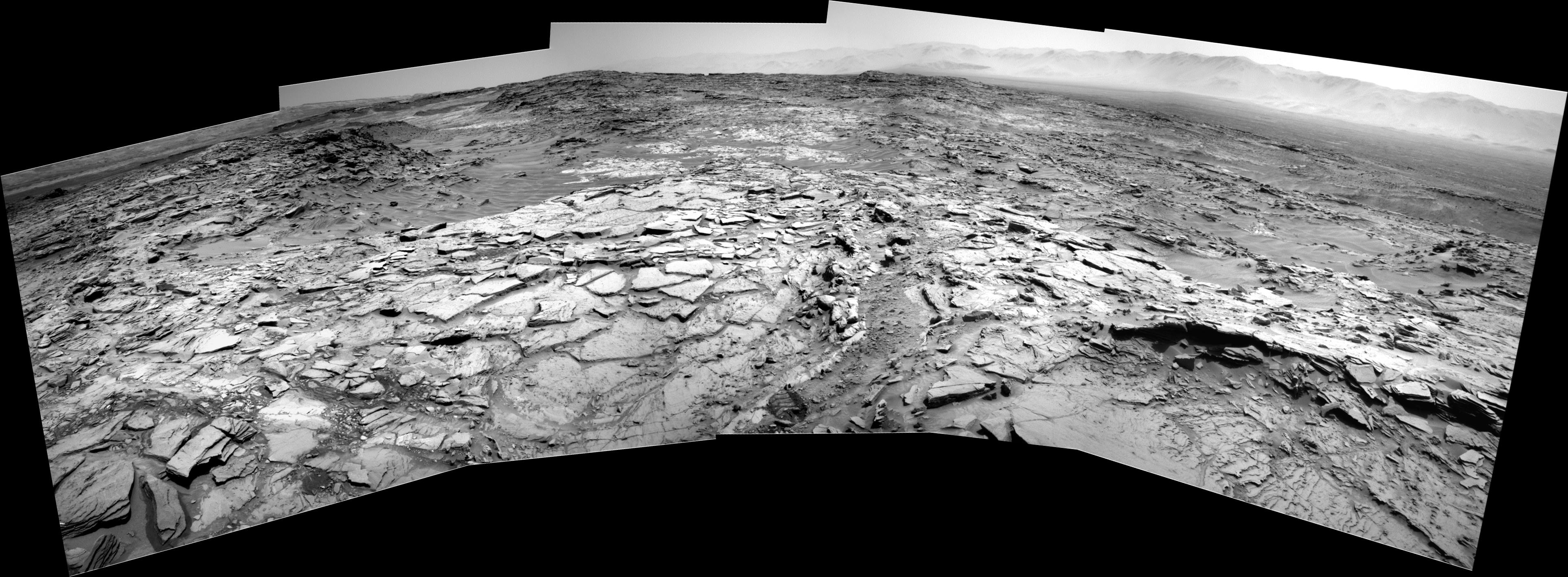 panoramic curiosity rover view b&w 1 - sol 1342 - was life on mars