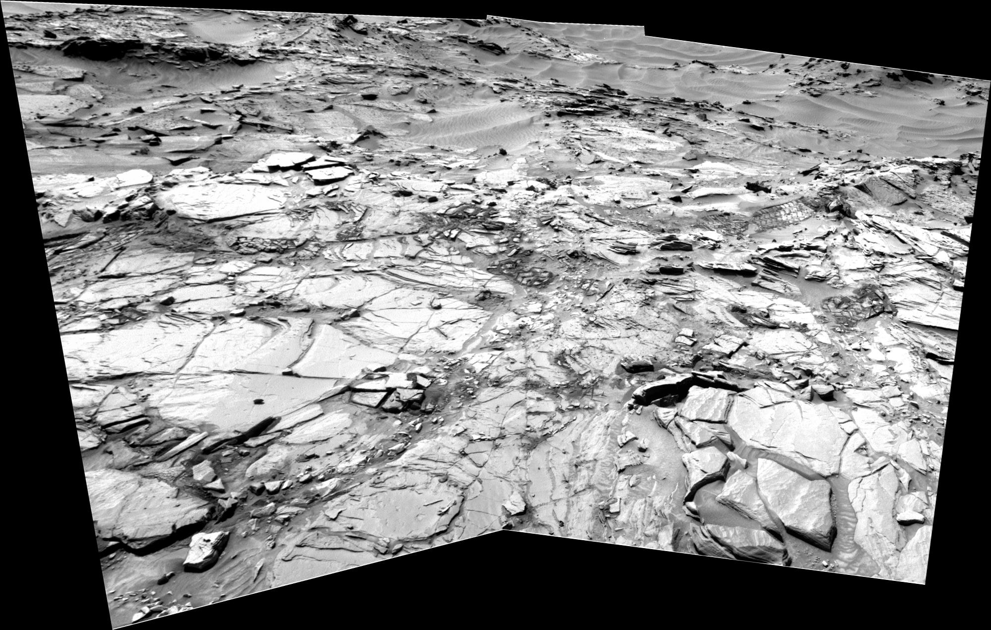 panoramic curiosity rover view b&w 3 - sol 1344 - was life on mars
