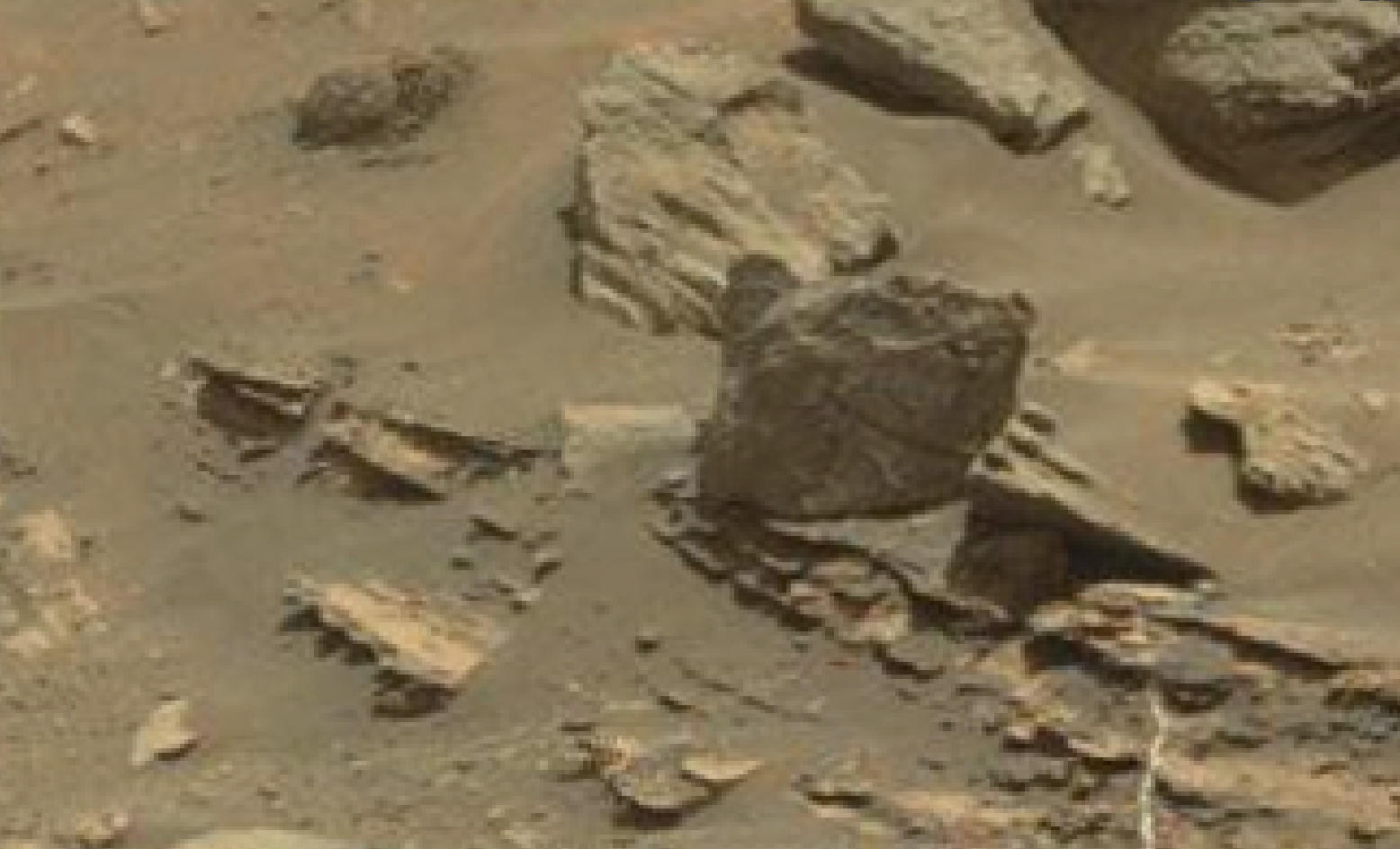 mars sol 1432 mickey mouse anomaly artifacts - was life on mars