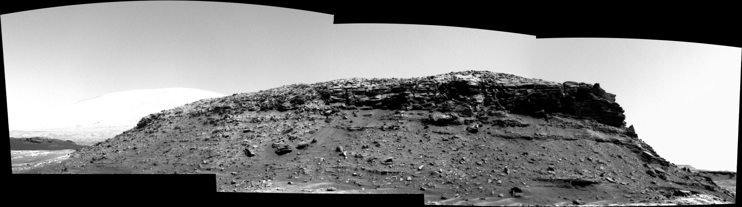panoramic curiosity rover b&w view 1 - sol 1428 - was life on mars