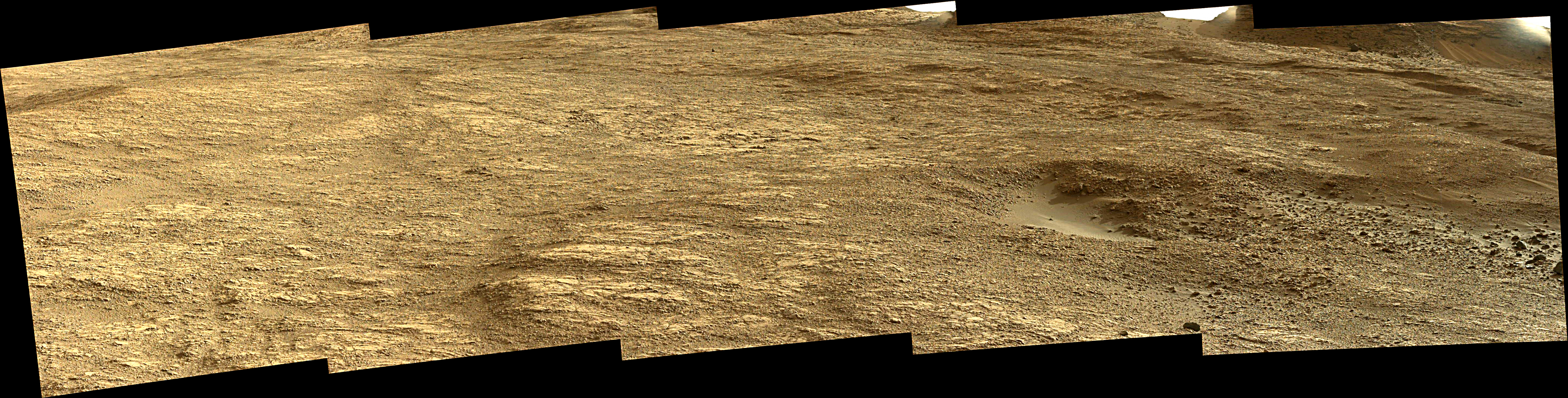 Curiosity Rover Composite View 1e of Mars Sol 1405 – Click to enlarge