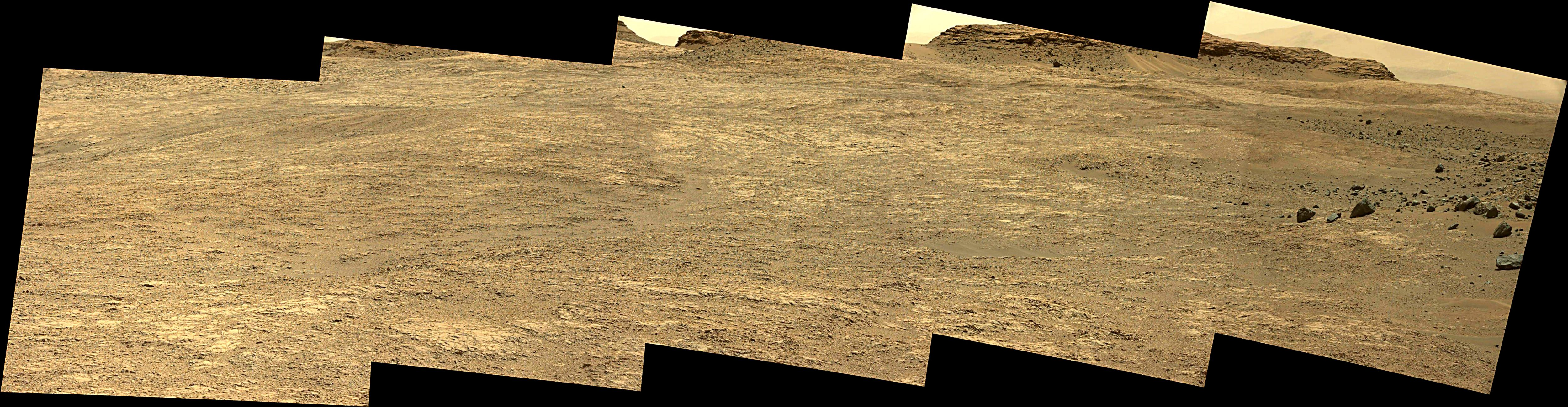 Curiosity Rover Composite View 2e of Mars Sol 1401 – Click to enlarge
