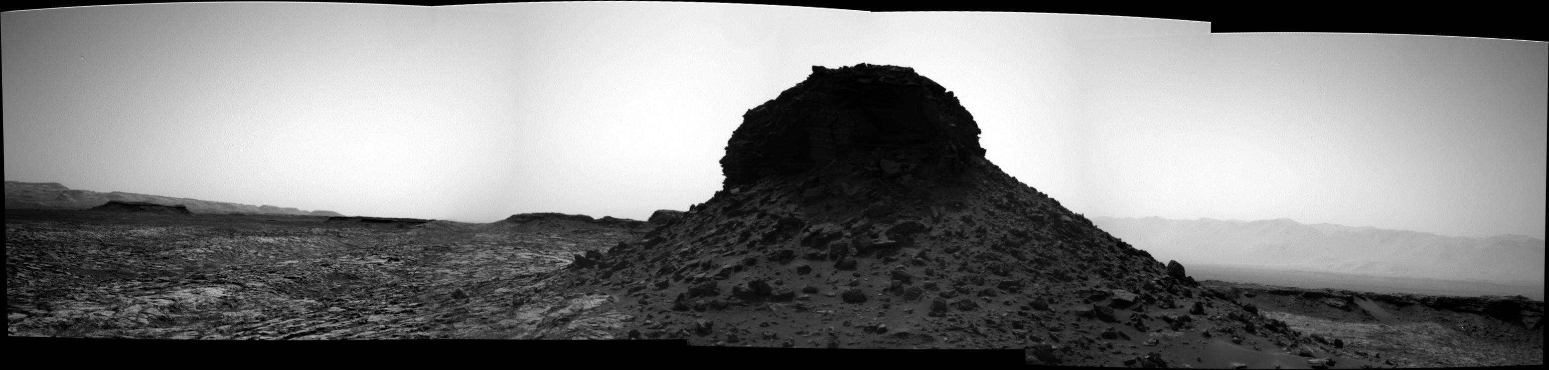 panoramic-curiosity-rover-bw-view-1-sol-1452-was-life-on-mars